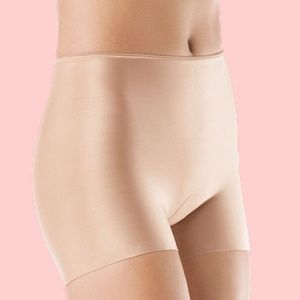 NWT SPANX 393 Slim-plicity Girl Short NUDE